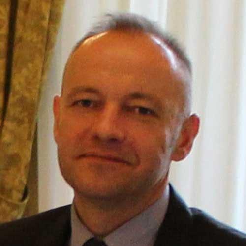 Dr Tomasz Banach