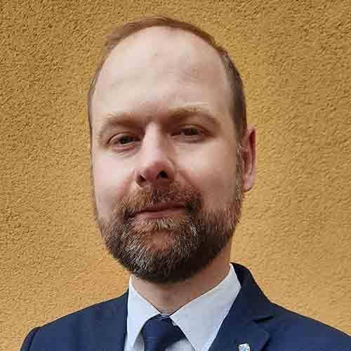 Dr Maciej Łobza